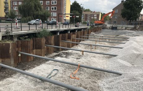 Stalen damwand aanbrengen in Moddermanstraat Amsterdam