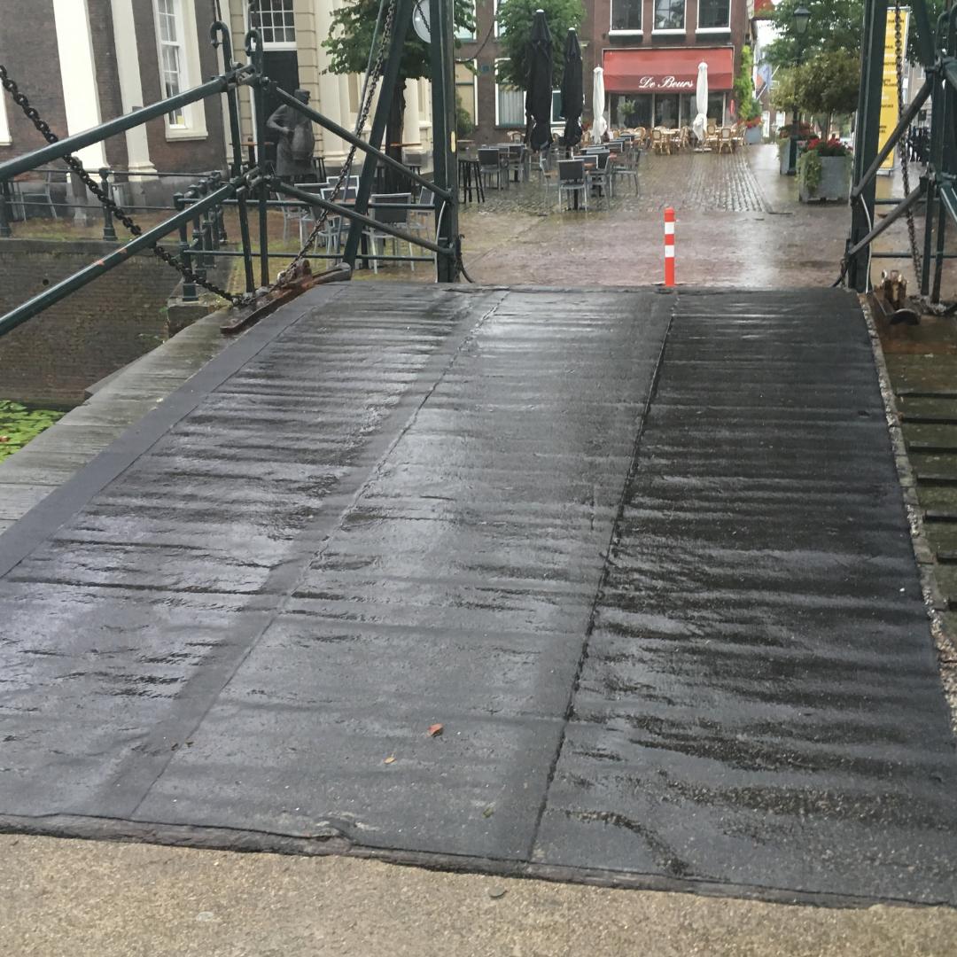 Onderhoud brug in Schiedam